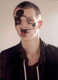 Mickey Mouse - Robbie Snelders by Willy Vanderperre, 1999 Art Photography, Fashion Photography, Boys Don't Cry, Head & Shoulders, Wow Art, Zoom Photo, Cool Cats, Beauty Makeup, Men Makeup