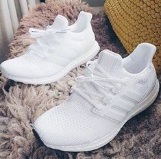 Adidas Stan Smiths are extremely trendy and they go with lots of combinations. Adidas Primeknit technology is perfect for the marathon runner. You can't fail with Adidas. Moda Sneakers, Sneakers Mode, Sneakers Adidas, Sneakers Fashion, Shoes Sneakers, Adidas Boost Shoes, Latest Sneakers, Fashion Outfits, Fashion Boots