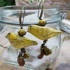 Orecchini con uccellini gialli