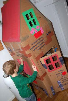 Van een doos een huisje maken met de kinderen!