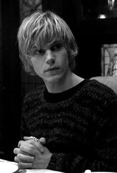 (Evan Peters) ''Hello, I'm Jasper. I have a younger sister, Wren, Im very protective over her so I wouldn't really recommend hurting her in any way. I'm 21 and single. Bi. I'm kinda odd.. But I'm very nice to the people I like. I'm a friend to the Tate family.''