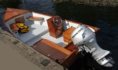 Console Skiff by Jacco Eerden - pic886a