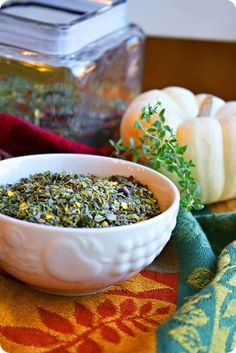 Tuscan Herb Spice Mix: 4 tablespoons dried basil 4 tablespoons dried marjoram 2 tablespoons garlic powder 2 tablespoons oregano 2 tablespoons thyme 2 tablespoons rosemary 2 tablespoons crushed red pepper flakes