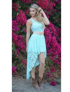 Love this dress! I would love to wear this for my engagement pics! <3 #xoxofashions