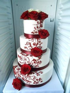 ✔ 30 wedding cakes so elegant, we can't look away 00113 – Beautiful Wedding Cake Designs Wedding Cake Red, Floral Wedding Cakes, Amazing Wedding Cakes, Wedding Cakes With Cupcakes, Elegant Wedding Cakes, Wedding Cake Designs, Rustic Wedding, Wedding Ideas, Red Centerpiece Wedding