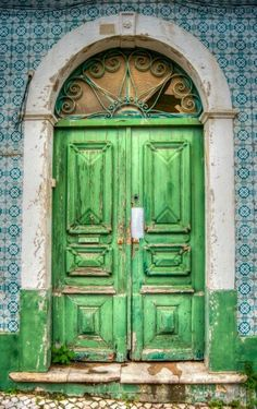 Door - Résidentiel & Investissement // Stone & Living - Prestige estate agency - Residential & Investment www.stoneandliving.com