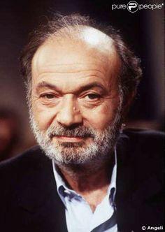 Claude Berri (Claude Berel Langmann) est un réalisateur, acteur, producteur et scénariste de cinéma français[1]. Il est né le 1er juillet 1934 à Paris, ville où il est mort le 12 janvier 2009[2]. Il est surnommé « le dernier nabab » ou « le parrain » du cinéma français.  Berri est la traduction faite par l'état civil de son prénom roumain Berel. Claude Berri abandonne son patronyme Langmann quand il devient acteur[