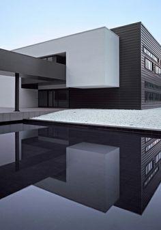 Melfi Headquarters Medir Architetti