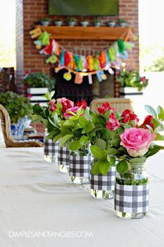 Dimples and Tangles: HAPPENINGS ON THE HOMEFRONT... Simple and inexpensive centerpiece idea