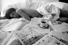 Coffee and paper in bed! #sunday #morning #happiness
