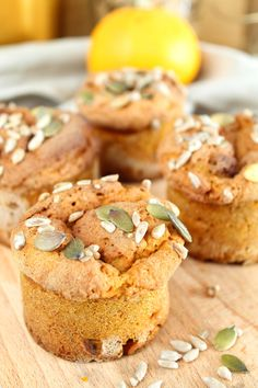 zoete fluffy pompoen muffins 1 Healthy Sweets, Healthy Baking, Healthy Foods, Healthy Life, Baking Recipes, Vegan Recipes, Happy Foods, Low Carb Breakfast, No Bake Cake