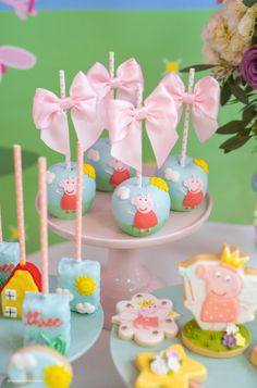 Peppa Pig is often a Indian preschool cartoon television set led and also created by Peppa Pig Birthday Decorations, Peppa Pig Birthday Outfit, Pig Birthday Cakes, Fairy Birthday Party, Birthday Parties, 3rd Birthday, Peppa Pig Party Ideas, Bolo Da Peppa Pig, Peppa Pig Cookie