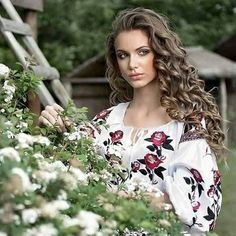 Ukrainian girls are the most beautiful in the world. You dream about one? Your girlfriend is Ukrainian? Read how to build a happy family with her! How to win a heart of Ukrainian girl? How to choose your sexy Ukraine Looking for your Ukraine girl? Ukraine Women, Ukraine Girls, Ethno Style, Russian Beauty, Folk Fashion, Single Women, Bride Hairstyles, Most Beautiful Women, Pretty Woman