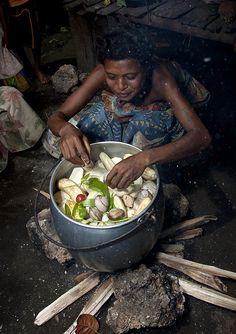 Trobriand food : banana, yam, vegetable, Papua New Guinea  