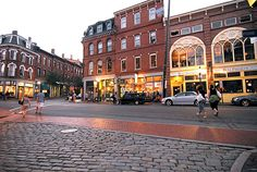 portland, maine- oh. goodness. i'm going to live here. sometimes life is fun :) check check check!