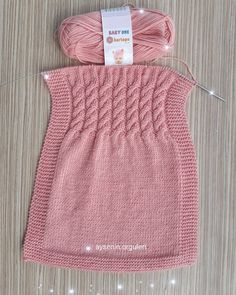 The most beautiful baby vest knitting patterns - Knittting Crochet Knitting For Charity, Knitting Blogs, Easy Knitting Patterns, Baby Patterns, Baby Knitting, Knitted Baby Boots, Knit Baby Booties, Knitted Baby Clothes, Knit Vest Pattern