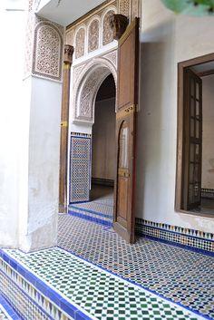Moroccan Garden, Moroccan Art, Moroccan Tiles, Morrocan Architecture, Islamic Architecture, Architecture Design, Restaurant Oriental, Morrocan Interior, Villas