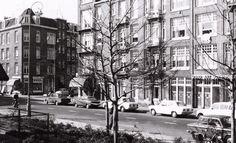 Krugerplein 24  Bakkerswinkel Tholen bij eerste zonnescherm hoek Reitzstraat - 1971 .<br />Foto: Beeldbank Amsterdam