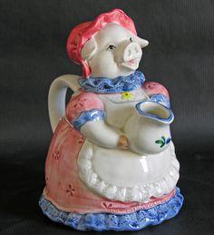 What a cute Momma Hog teapot pitcher. Pig Kitchen, Vintage Teapots, Cute Teapot, This Little Piggy, Tea Caddy, Tea Art, My Cup Of Tea, Tea Ceremony, Teacups