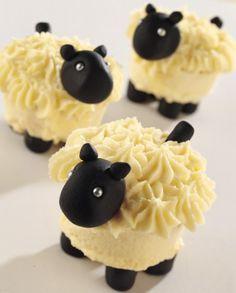 mini Lamb cakes