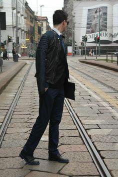 Suit up in blue: Niels