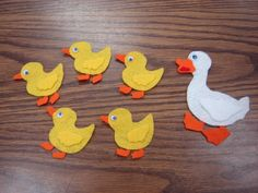 Melanie- This pin links to a website with many ideas for felt board stories. Felt stories are great for circle time, they are interactive and the children can help tell the story. Flannel Board Stories, Felt Board Stories, Felt Stories, Flannel Boards, Preschool Activities, Activities For Kids, Crafts For Kids, Felt Books, Quiet Books