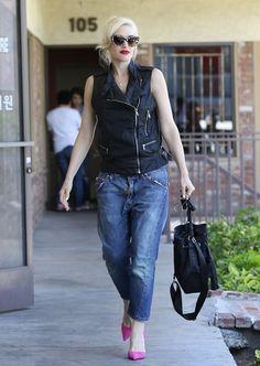 6b12677def4 Gwen Stefani Loose Blouse - Gwen Stefani Looks - StyleBistro Black Zip Ups