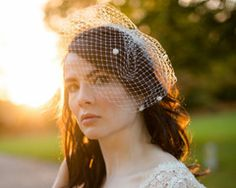 32 of the Most Beautiful Wedding Veils for Classic Brides Art Deco Fashion, Vintage Fashion, Feather Headpiece, Crystal Wedding, Wedding Veils, Bird Cage, Fashion Advice, Photo Credit, Special Occasion