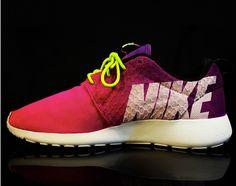 e77ac034a98 Nike Roshe Run -