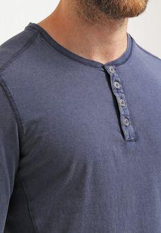 https://www.zalando.pl/tom-tailor-bluzka-z-dlugim-rekawem-knitted-navy-to222o04u-k11.html