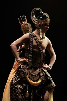 Classical Dancing Photography Ideas For 2019 Surrealism Photography, Dance Photography, Canvas Art Quotes, Indonesian Art, Alien Concept Art, Dance Hairstyles, African American Artist, Couple Art, Dance Outfits