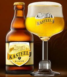 Sterren *** Kasteel Blond past in de rijke traditie van de Belgische blonde bieren met een overwegend fruitig aroma en een mooie balans in het glas tussen hop en mout. Het bier is zeer doordrinkbaar en tegelijk voldoende complex voor een karaktervol degustatiebier. Kasteel Blond is mooi in evenwicht, met aroma's van mout, aangevuld met fruitige toetsen afkomstig van de gist. De smaak is lichtzoet in de aanzet, aangevuld met fruitigheid en hopbitter. Zacht in de afdronk. data bier