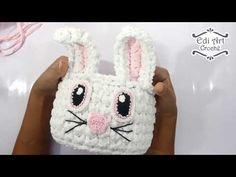 Ecologicamente correto, barato e com bom rendimento, o fio de malha é um dos materiais… Crochet Box, Crochet Basket Pattern, Crochet Hats, Hello Kitty Purse, Cool Things To Make, How To Make, T Shirt Yarn, String Art, Macrame