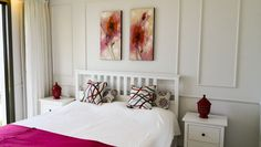 Modern hálószoba fehér színben Mini hálószoba izlandi lakásban     Modern hálószoba     Nyaraló a Kanári Szigeteken     Hálószoba vendégházban Bed, Furniture, Home Decor, Decoration Home, Stream Bed, Room Decor, Home Furnishings, Beds, Home Interior Design
