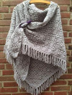 Fabulous Crochet a Little Black Crochet Dress Ideas. Georgeous Crochet a Little Black Crochet Dress Ideas. Crochet Shawls And Wraps, Knitted Shawls, Crochet Scarves, Crochet Clothes, Knit Or Crochet, Crochet Crafts, Crochet Stitches, Crochet Projects, Crotchet