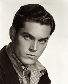 "wrinklesoftime: "" Jeffrey Hunter Jeffrey Hunter (born Henry Herman ""Hank"" McKinnies, November 25, 1926 – May 27, 1969) was an American film and television actor. His most famous roles are as John..."