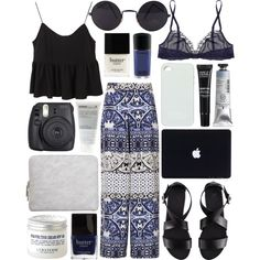 Here's today's #OOTD, by jesicacecillia! Which item is a must-have? http://polyv.re/T2XNVH