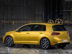 2017 Volkswagen Golf 7 R-Line Facelift - Rear Three-Quarter HD Vw Golf 2017, Volkswagen Golf Tsi, Golf Images, Limousine, Car Photography, Car Ins, Concept Cars, Wallpaper, Autos