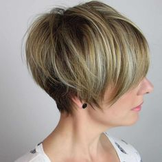 2020 Hair Trends For Women pictures and tips today will be shared with you. You should know that 2020 hair color trends and will shape the fashion stages these year. And there are amazing hair Pixie Cut With Undercut, Pixie Cut With Bangs, Blonde Pixie Cuts, Short Hair Cuts, Short Hair Styles, Edgy Pixie Hairstyles, Short Hairstyles For Women, Pixie Haircuts, Medium Hairstyles