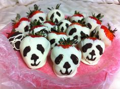 Panda chocolate dipped strawberries :)
