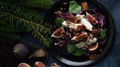 Tyylikäs salaatti kootaan samanvärisistä raaka-aineista. Violetti on joulun voimaväri. Punakaali saa viikunoista ja sinihomejuustosta ylevän maun. Tacos, Mexican, Beef, Ethnic Recipes, Food, Meat, Essen, Meals, Yemek