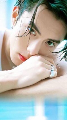 Dylan Wang alone with shan cia Meteor Garden Cast, Meteor Garden 2018, Los F4, Darren Wang, F4 Boys Over Flowers, Handsome Korean Actors, Cute Asian Guys, Asian Boys, Kris Wu