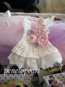 OLYMPUS DIGITAL CAMERA Little Girl Outfits, Little Girls, Mini Things, Girl Clothing, Miniature Dolls, Crochet Clothes, Olympus, Crochet Ideas, Digital Camera