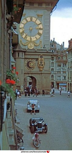 True vintage Switzerland... Bern, ''Zytglogge''. = Clock Tower), but I don't know the year this pic is taken... Looks like mid Thirties ? Anyone?