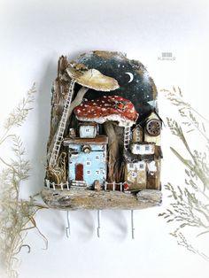 Истории волшебного леса в стиле дрифтвуд-арт, фото № 1 Glue Crafts, Diy And Crafts, Arts And Crafts, Paper Crafts, Driftwood Projects, Driftwood Art, Small Wooden House, Matchbox Art, Paperclay