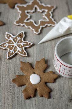 Jak zrobić lukier? Jak dekorować pierniki? Gingerbread Cookies, Christmas, Winter, Food, Yule, Meal, Xmas, Essen, Navidad