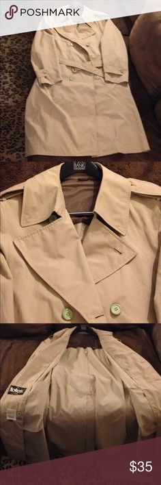 Totes Tan Trench Coat Overcoat Raincoat 42L Long The Totes Coat Solid Tan Double Breasted Trench Coat Overcoat Raincoat size 42L Long, Double Breasted and single vented! Great condition! Please make reasonable offers and bundle! Ask questions :) Totes Jackets & Coats Trench Coats