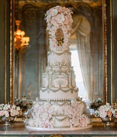 ~ Anoushig Corinthia ~ Captured so beautifully in the French Dining Room @clivedenhouse by the wonderful @katenielen . . . . . . . . . .… Tall Wedding Cakes, Luxury Wedding Cake, Wedding Cake Inspiration, Dining Room, French, Beauty, French People, French Language, Dining Room Sets