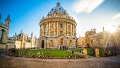 Tabara la Universitatea Cambridge in Anglia. Predator, Cambridge, Notre Dame, Oxford, University, Student, Building, Travel, Astronomy