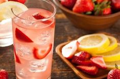 ASMR For Food Lovers Wendy's Strawberry Lemonade Recipe, Raspberry Lemonade, Summertime Drinks, Summer Drinks, Easy Baked Ziti, Easy Family Dinners, Fruit Smoothies, Food Cravings, Copycat Recipes